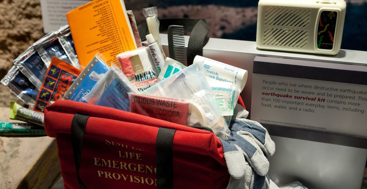 12 Cheap Ways To Save Your Life Disaster Preparedness Kit Emergency Prepping Disaster Preparedness