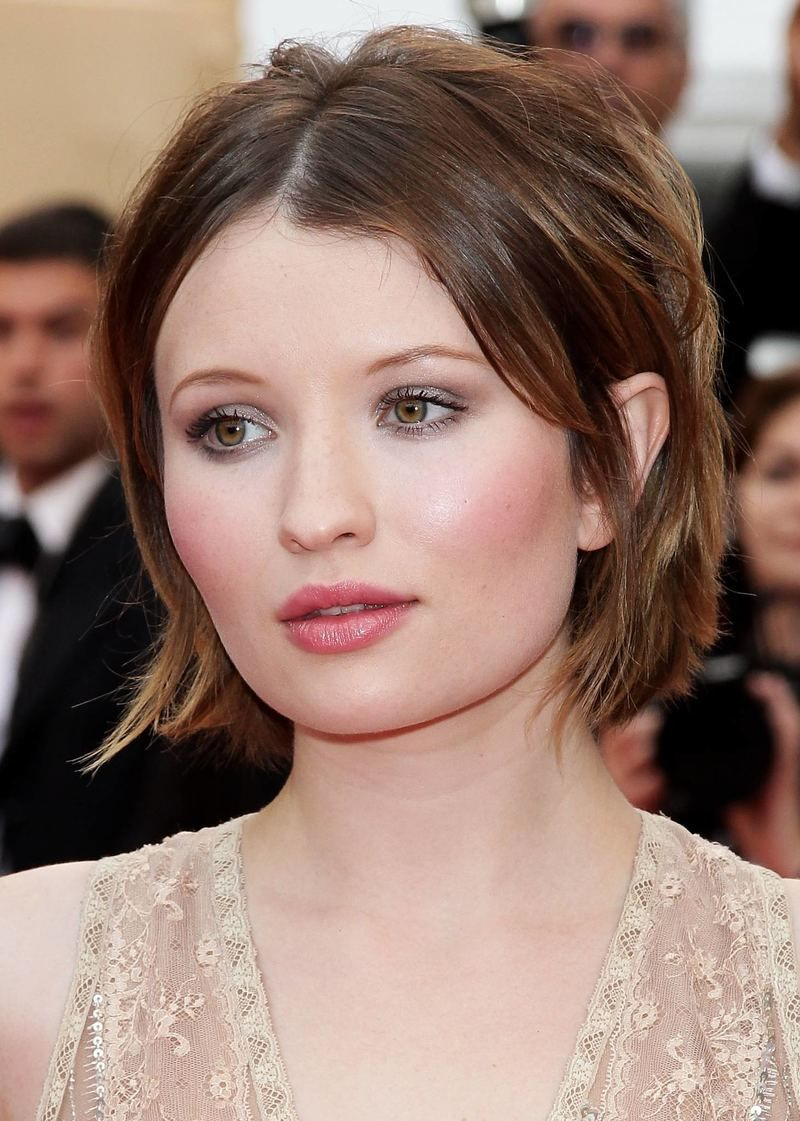 Emily Browning- gorgeous soft makeup | Maybe shes born with it ...