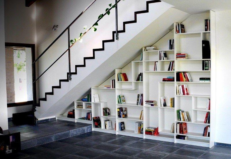 Rangement Sous Escalier Et Idees D Amenagement Alternatif Rangement Sous Escalier Sous Escalier Etageres Sous Escalier
