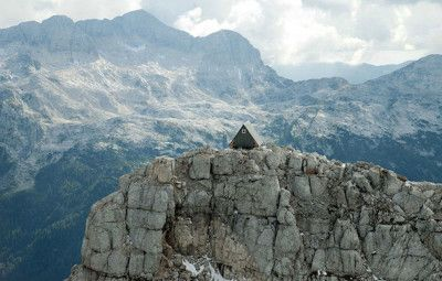 Want to live in a tiny house on top of a mountain? Shazzarazza.com ...