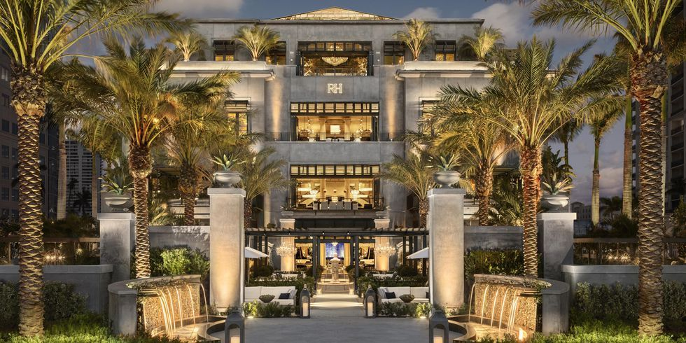 Restoration Hardware Just Opened A Mansion In Palm Beach And You Re Going To Want To Move In West Palm Mansions Restoration Hardware Lighting