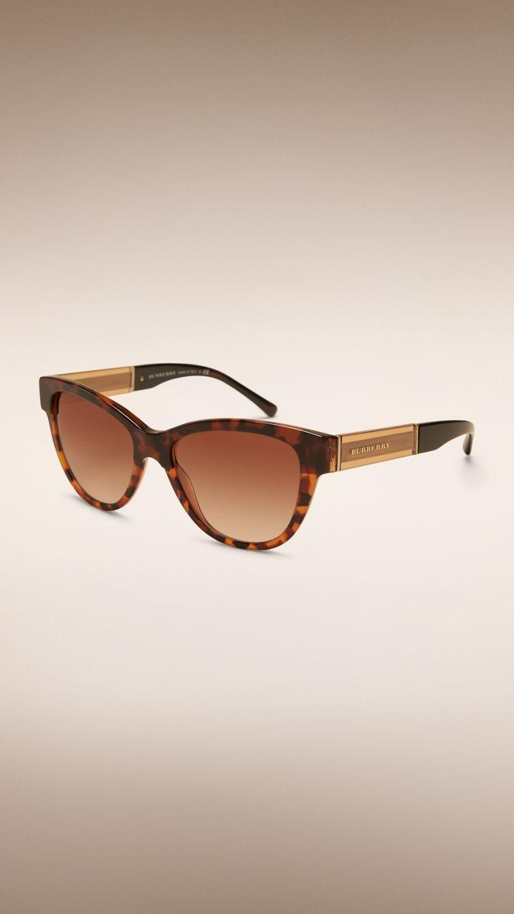 Burberry - Sonnenbrillen | Pinterest | Katzenaugen-Sonnenbrille ...