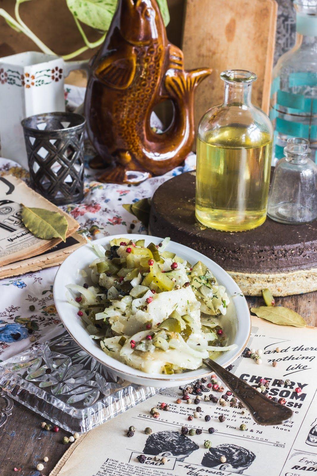Wegan Nerd Kuchnia Roslinna Seler A La Sledz W Oleju Rzepakowym Z Ogorkiem Kiszonym Vegetarian