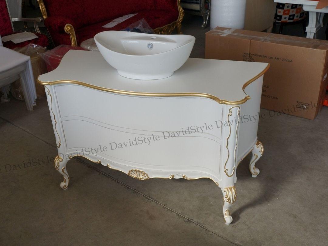 Mobile bagno barocco bianco con rilievi in foglia oro ...