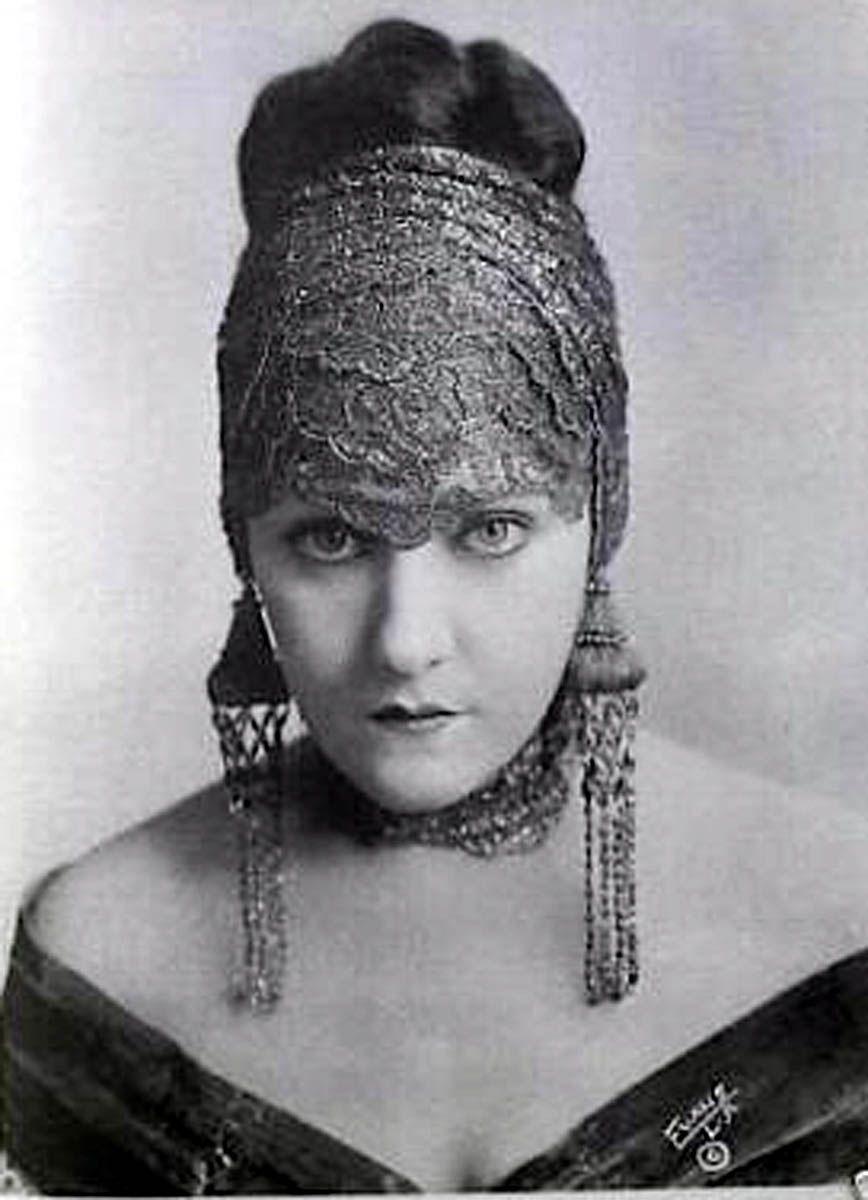 gloria swanson actress