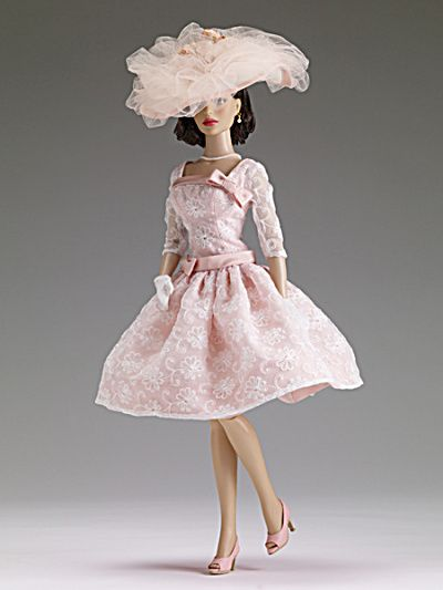 High Tea at the Plaza DeeAnna Doll Outfit Only, Tonner 2013, our item TDD0042 has just been listed at http://www.donnaskorner.com for the 16 inch version of  DeeAnna Denton and Peggy Harcourt dolls. These are 1950s fashionable lady inspired dolls and outfits by Robert Tonner.