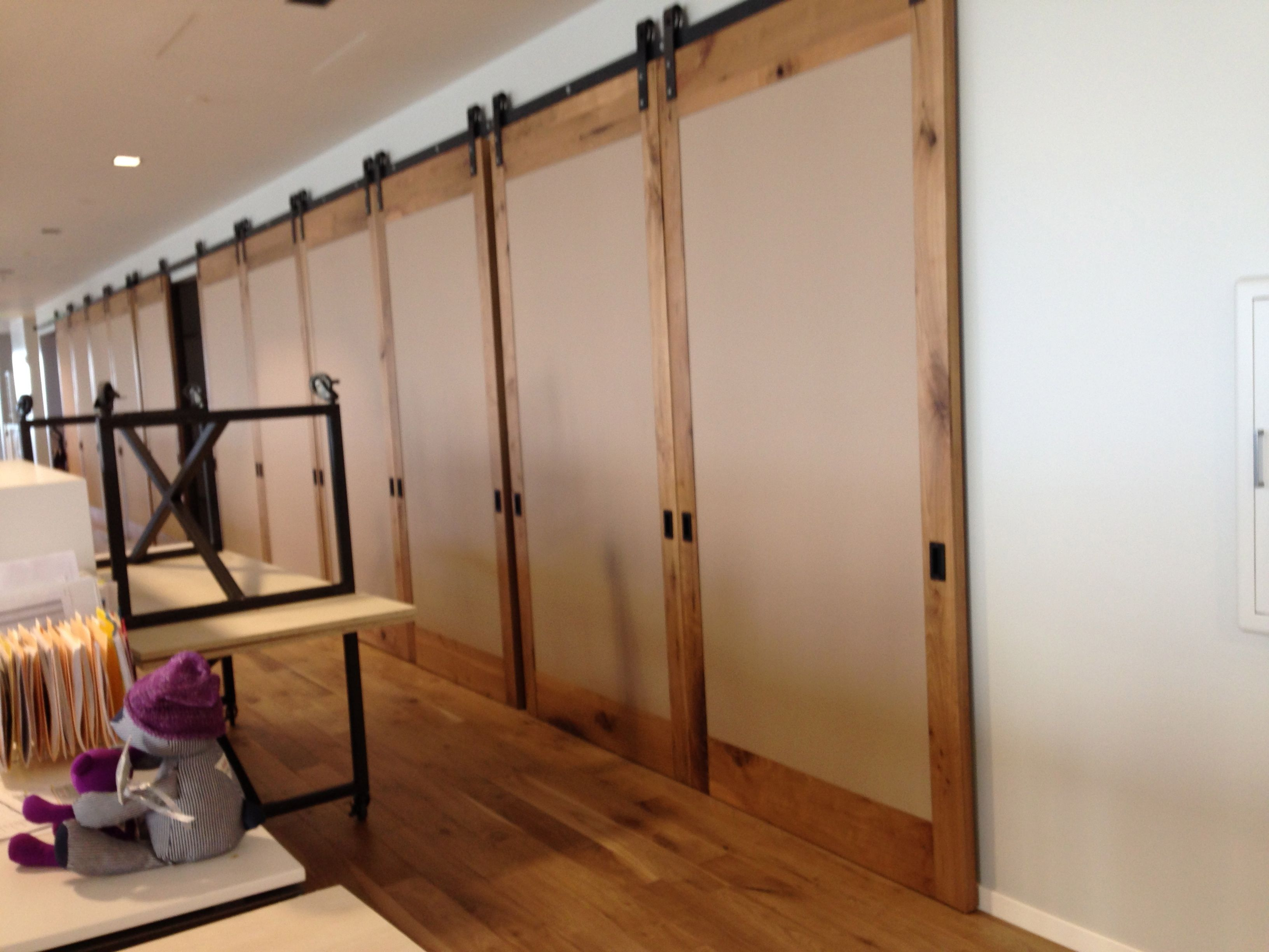 Furniture : Large Interior Room Divider Sliding Barn Door Design With Black  Metal Hardware As Well As Laminated Flooring As Well As Ceiling Lamp And  Table ...