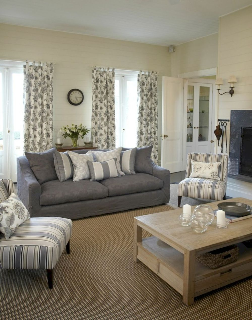 Gorgeous French Country Living Room Decor Ideas 6 French