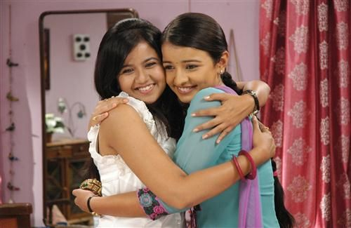 Gunjan and Rachna in Sapne Suhane Ladakpan Ke Zee TV Serial HD