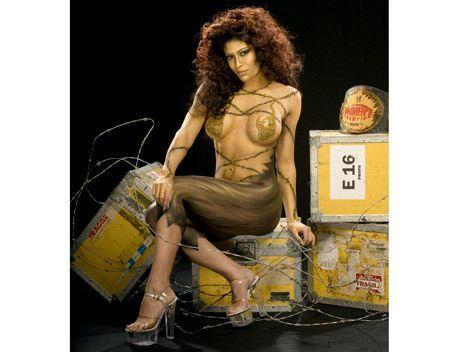 body Melina paint perez