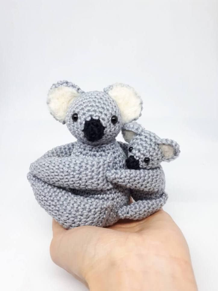 Koala crochet pattern, a mom and her baby   Crochet Amigurumi ...