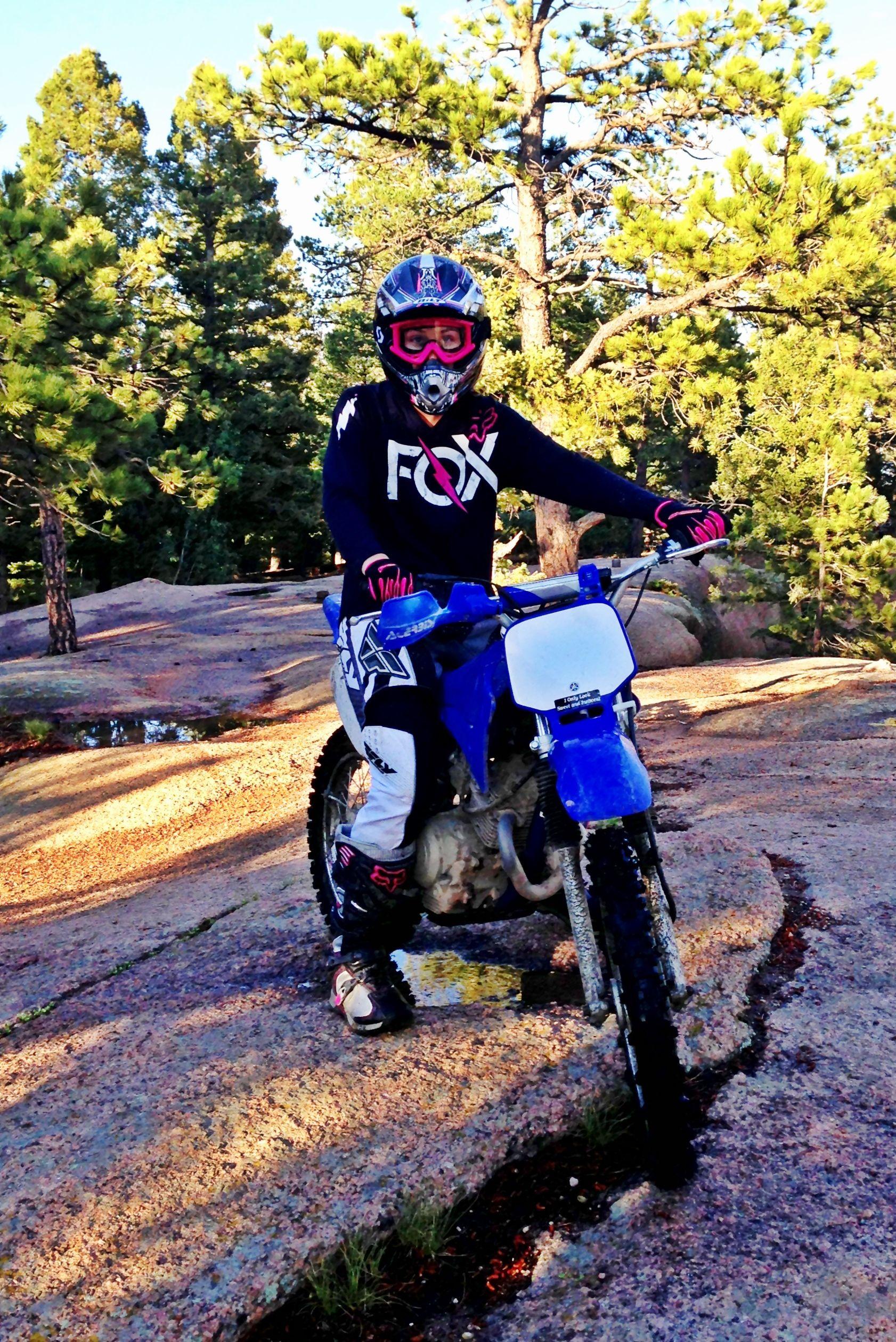Dirt bike girls!  61ecb6782