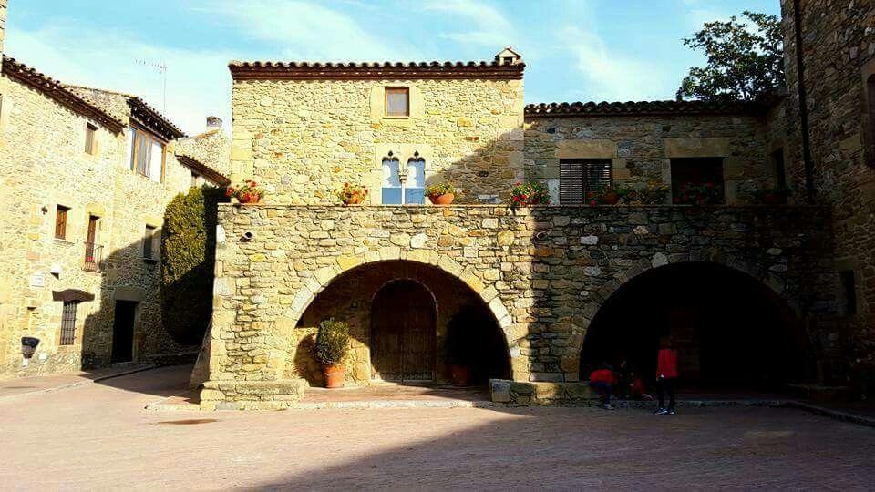 Monells. Cruïlles, Monells i Sant Sadurní de l'Heura.