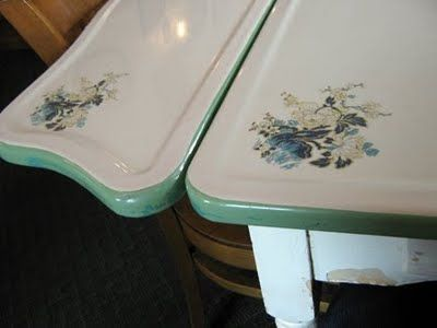 The Motherlode Of Vintage Enamel Top Tables Vintage Kitchen Table Vintage Metal Table Retro Kitchen Tables