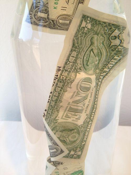 HELDER BATISTA - OBUS AUX DOLLARS - GALERIE GALEA http://www.widewalls.ch/artwork/helder-batista/obus-aux-dollars/ #Sculpture