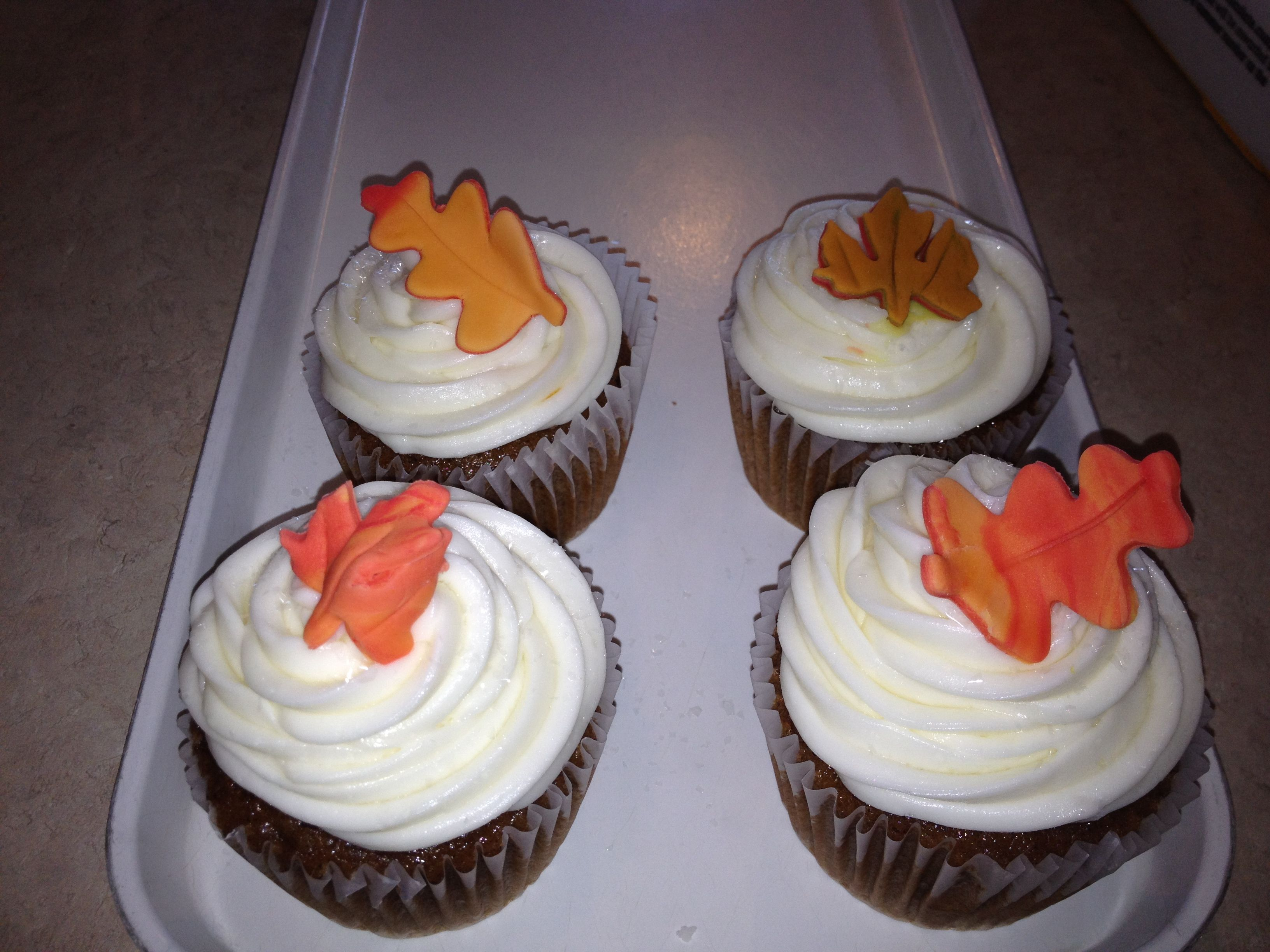 Fall leave cup cakes!