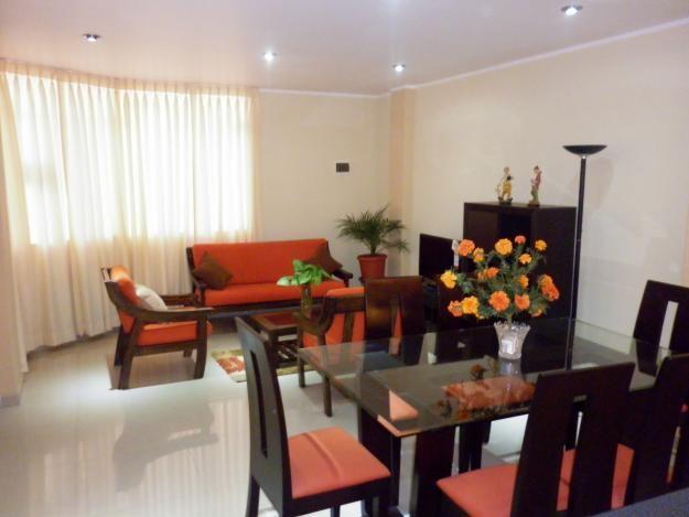 Decoracion de comedor moderno great sala comedor moderna for Salas y comedores modernos para espacios pequenos