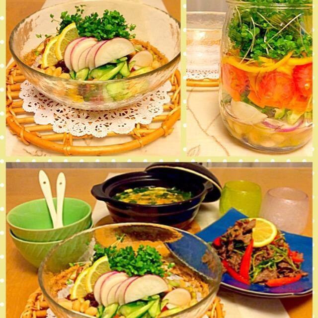 先日お友達の家でたこ焼きパーティーをした時に友達がメイソンジャーサラダを作ってくれていて、頂いたらとっても美味しかったので私も作ってみました♪( ´θ`)ノ 今夜の晩ご飯✨ ✴︎メイソンジャーサラダ ✴︎牛肉と豆苗豆板醤炒め ✴︎牛肉と野菜たっぷり韓国風スープ  主人が外食に行こうといってくれたのですが、寒かったのでおうちでご飯にしましたちょっと品数少なかったかな…風邪ひくよりはいいよね - 239件のもぐもぐ - 流行りにのってみた                  メイソンジャーサラダで晩ご飯 by Kuuchan