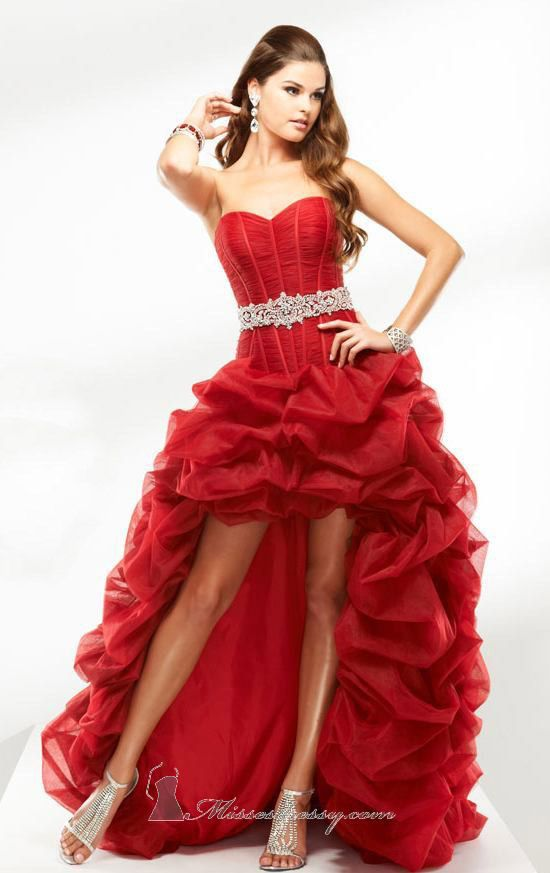 2bf4ad7b2f899 I hate these kinds of dresses when the designer makes the front a ...