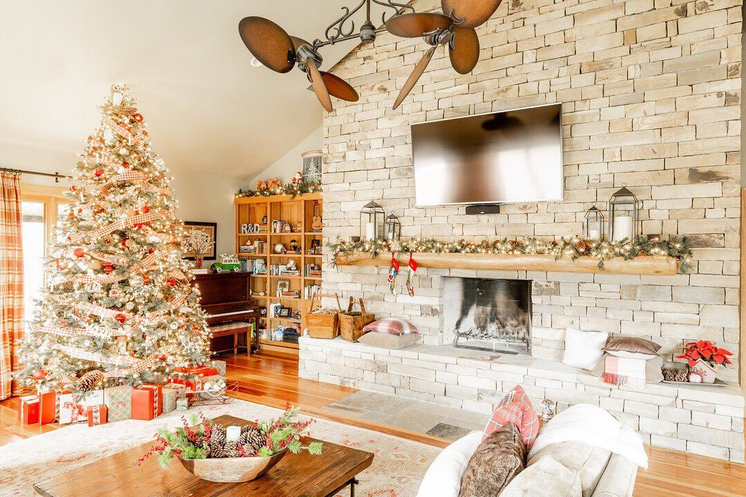 40 Christmas Spirit Decoration Ideas 2021 Page 22 Of 38 Newyearlights Com Christmas Spirit Christmas Decor Living room christmas decorations 2021