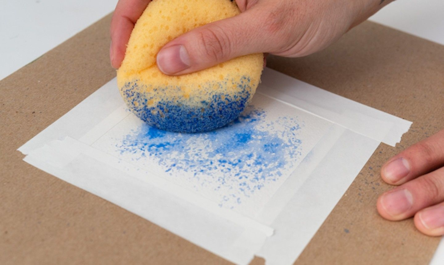 how to paint with a sponge