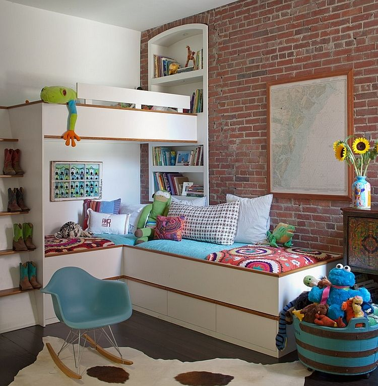 Creative corner bunk bed in the kids' room saves up on ample space