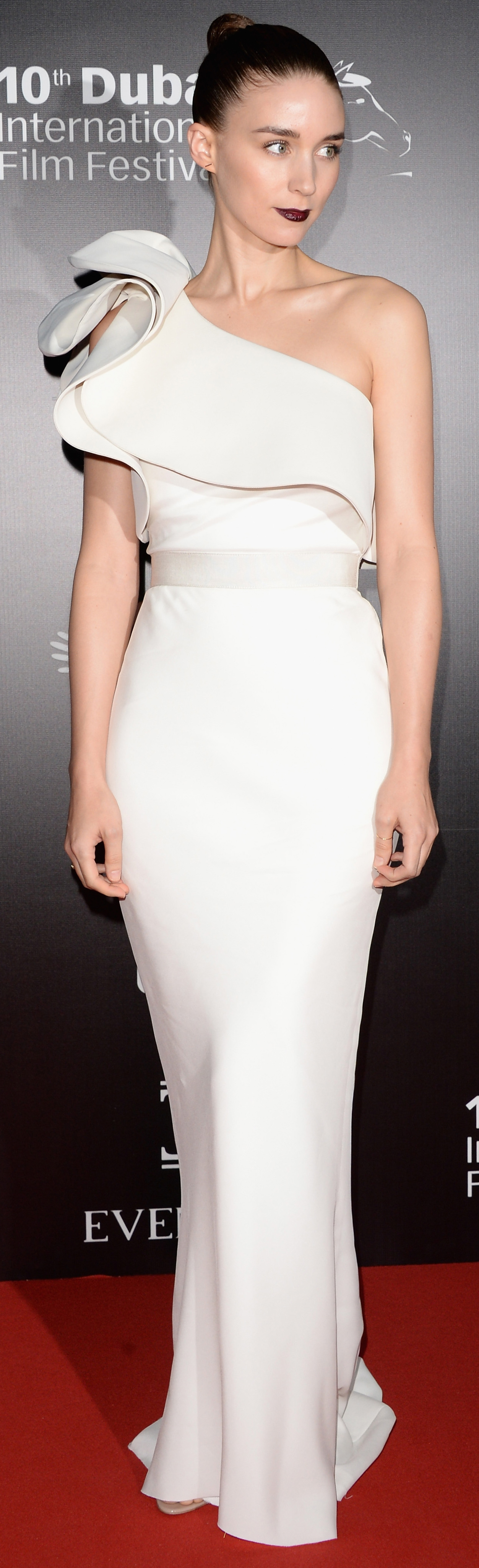 Rooney Mara was gorgeous in white custom Lanvin