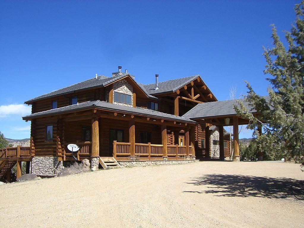 654216 beautiful log cabin close to zion