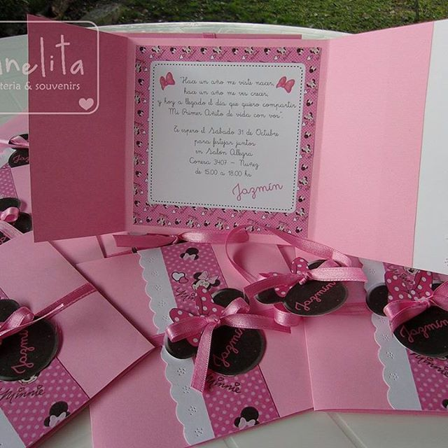 Tarjetas De Invitacion Minnie Rosa Con Guarda Invitaciones