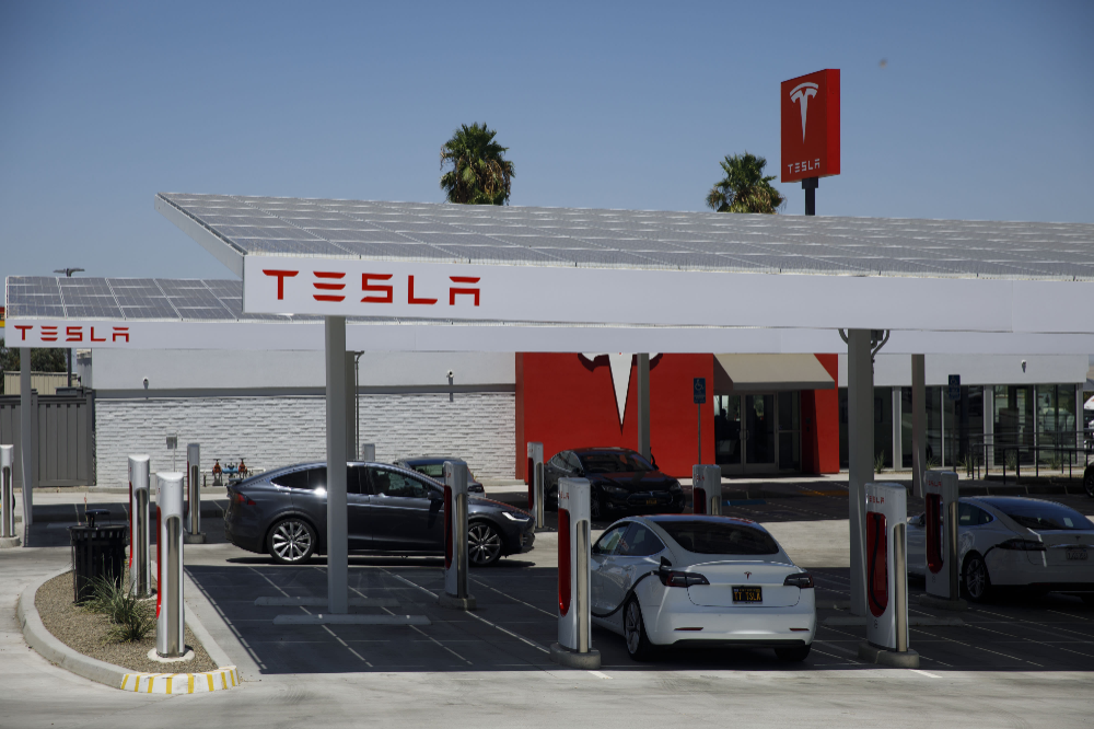 Tesla S Musk Says Solar Energy Storage Will Grow Faster Than Electric Cars And There S Some Truth To It Tesla Tesla Musk Energy Storage