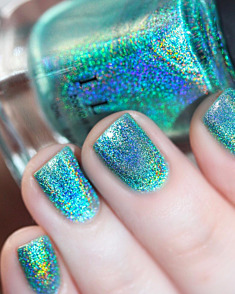 Aerial View – Aquamarine Ultra Holographic Nail Polish by ILNP