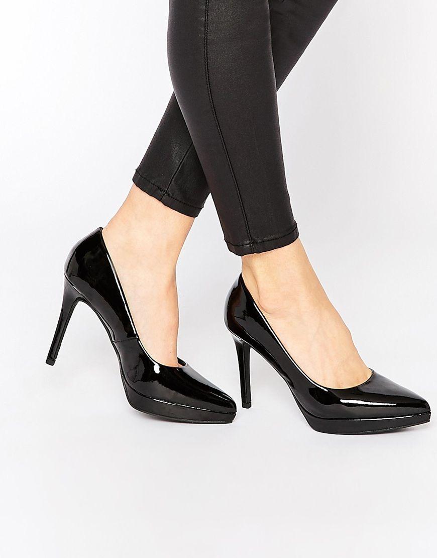 Imagen 1 de Zapatos de salón anchos en charol de New Look