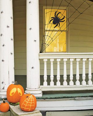 Make your own spider web from clothesline Halloween Pinterest - decorations to make for halloween