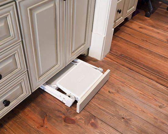 Slide Out Step Stool At Toe Kick Kitchens In 2019