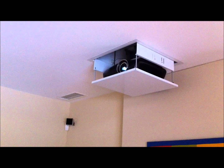 Installation D Un Ecran Et Videoprojecteur Home Decor Decor Shelves