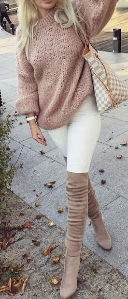 25 Heart Warming fall Outfits for women #falloutfitsforwork