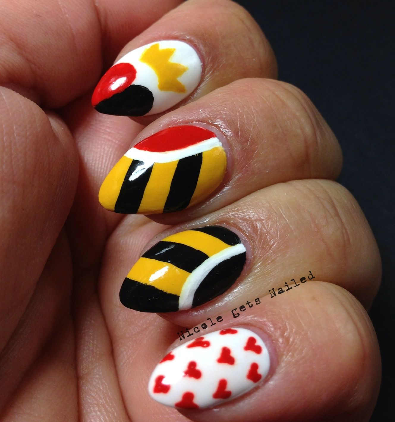 Alice in Wonderland Nail Art | queen of hearts nails http www ...