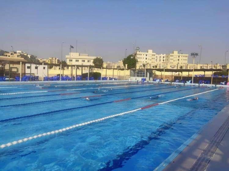 صور الجمل يفتتح حمام السباحة بمركز شاب العبور عقب تجديده العصر نيوز Outdoor Decor Outdoor Pool