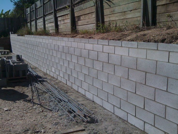 Cinder block retaining wall drainage cinder block for Block wall foundation