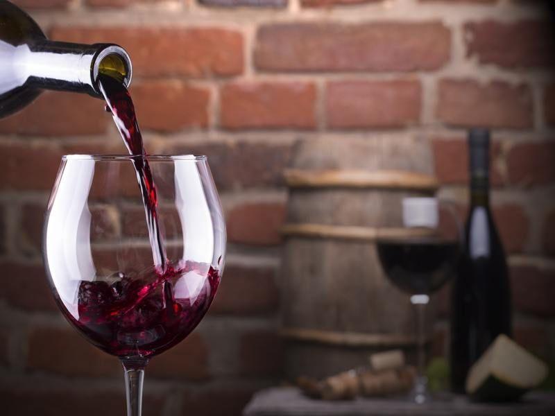 Buscas Un Buen Vino Tinto A Buen Precio Aquí Tienes Una Guía Con Decenas De Ellos Organizados Para Que Encuentre Vino Rojo Mejores Vinos Tintos Cata De Vinos
