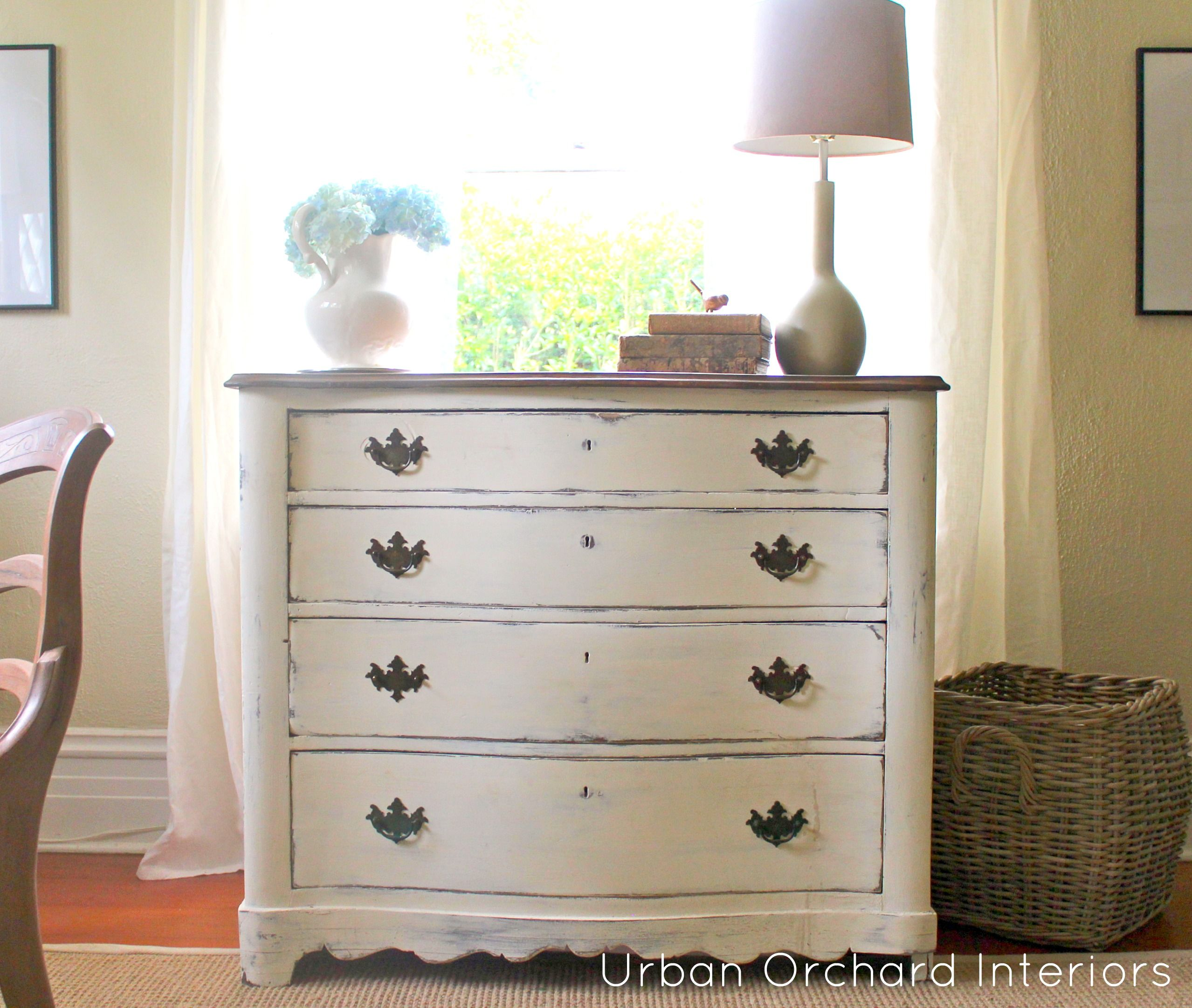 Best Antique Dresser Ascp Old White Like The Distressing 400 x 300