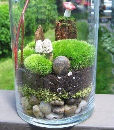 desktop gardens simple ideas for cool diy terrariums. Black Bedroom Furniture Sets. Home Design Ideas