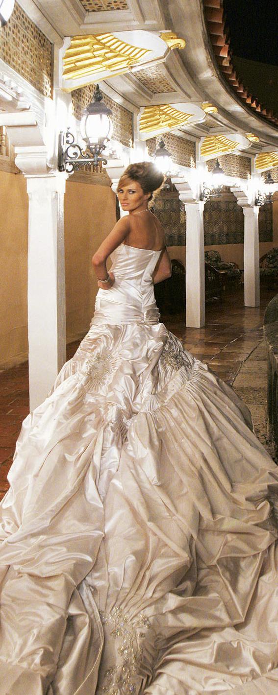 Dior wedding dresses  Melaniaus  Dior dress sported a foot train and foot