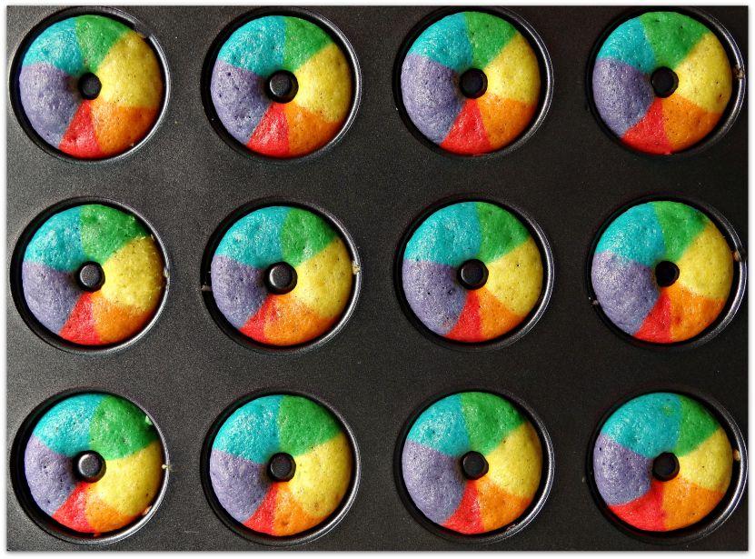 Mini rainbow donuts tray
