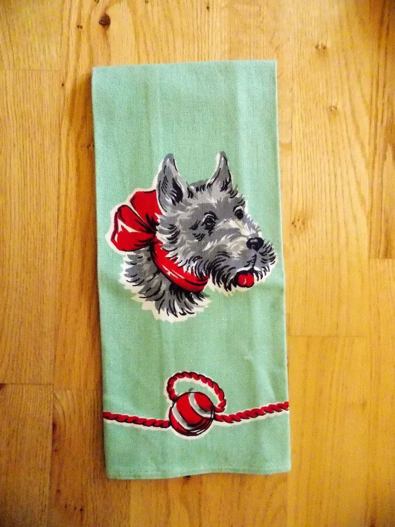 Vintage Collectible Linen Towel Christmas Green W Black And White Scotty Or Terrier Dog Print