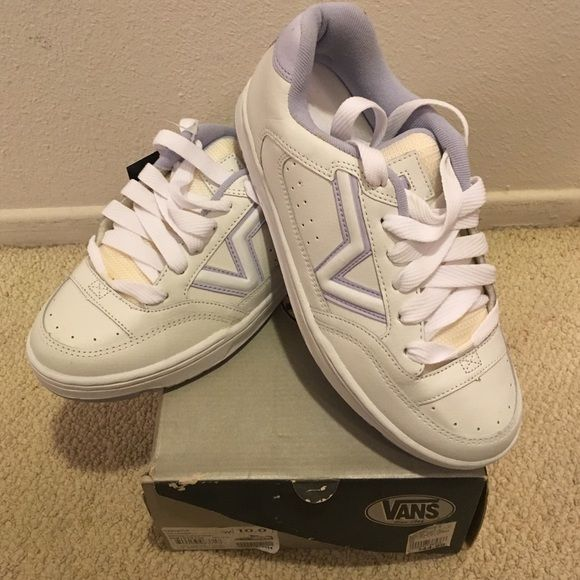 NWT Vans Upland Skate shoes. Women's