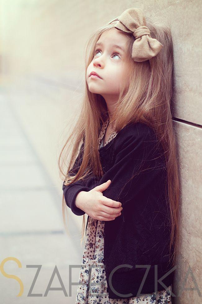 Jak Kwiatki Na Lace Cute Kids Pics Beautiful Little Girls Cute Baby Girl Pictures