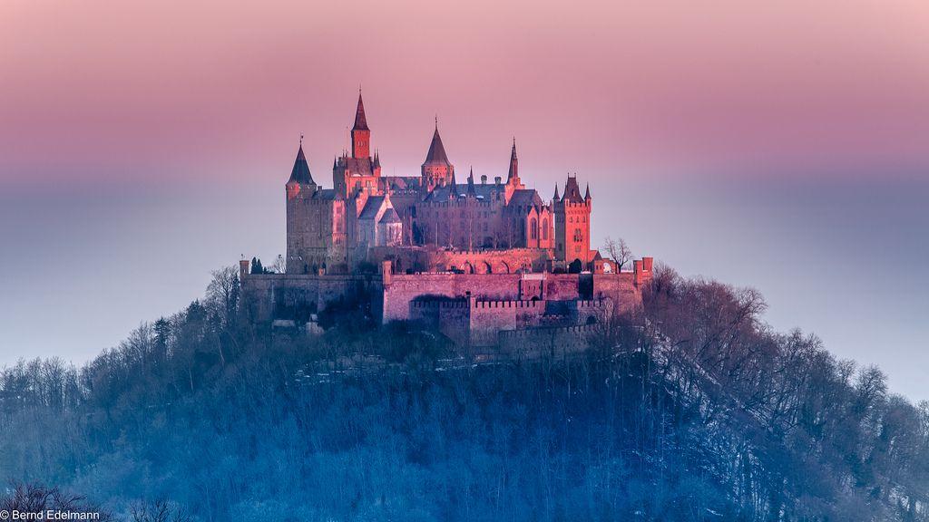 Burg Hohenzollern In Der Morgensonne Burg Umgebung Und Burgen Und Schlosser