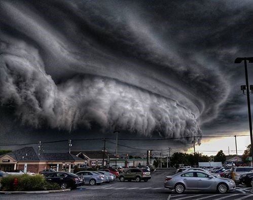 Incredible arcus cloud in Cleveland, USA by The Ottocycle www.dangerouspowerofnature.blogspot.com