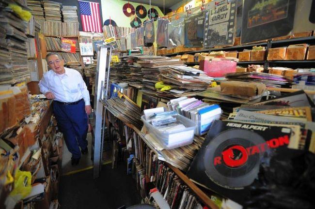 Platter World Garfield New Jersey Vinyl Record Shop Record Shop Vinyl Storage